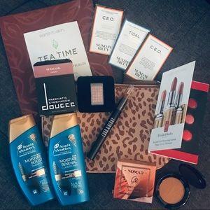 Makeup bundle with bag - nomad doucce Sunday Riley